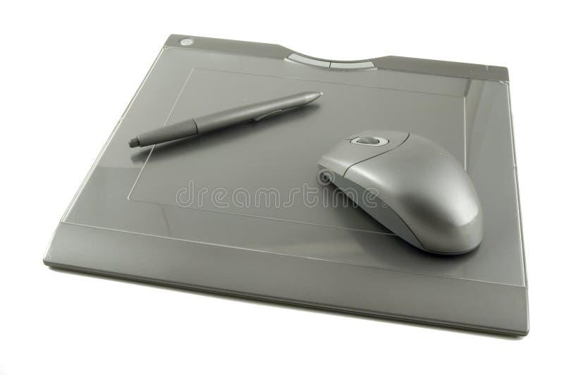 Drahtlose Grafik-Tablette mit Stift und Maus lizenzfreie stockfotos