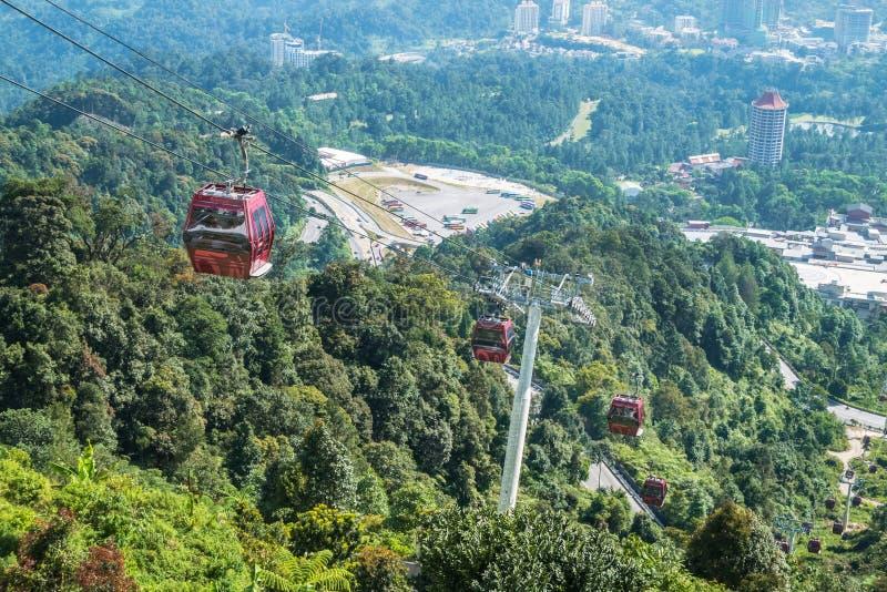 Drahtseilbahn Awana Skyway ist ein Gondelbahnsystem, das Chin Swee Temple, Awana-Transport-Nabe und SkyAvenue in Genting-Hochland stockfotos