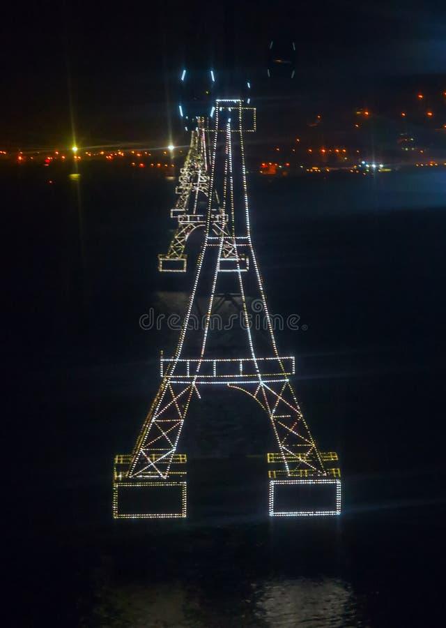 Drahtseilbahn Eiffelturm zum Kabelbahn Vinpearl-Vergnügungspark Islan stockfotos