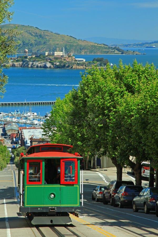 Drahtseilbahn u. Alcatraz Insel in San Francisco lizenzfreies stockbild