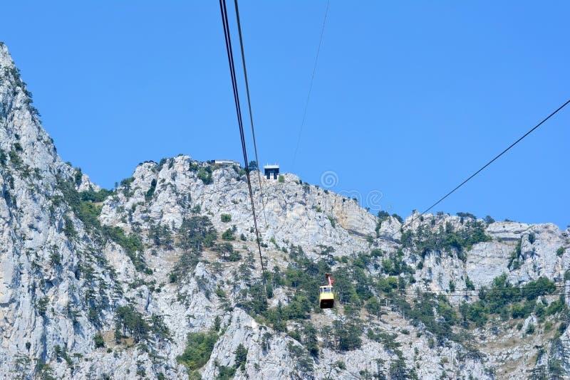 Drahtseilbahn zu Ai-Petri-Gipfel lizenzfreies stockbild