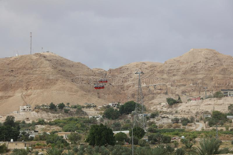 Drahtseilbahn zum Berg der Versuchung in Jericho lizenzfreie stockfotografie