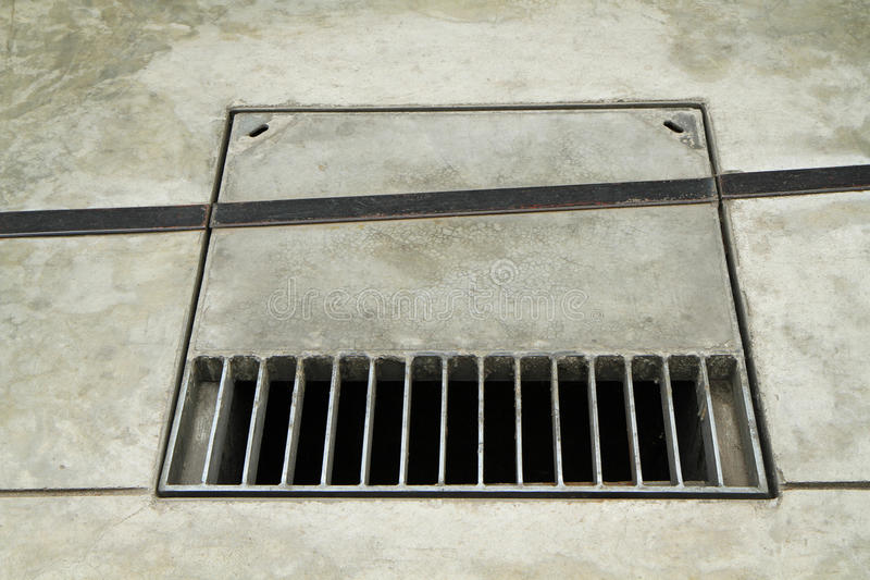 Drain de grille en métal photos libres de droits