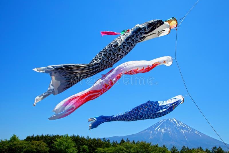 Drakar för japanKoinobori karp arkivbilder