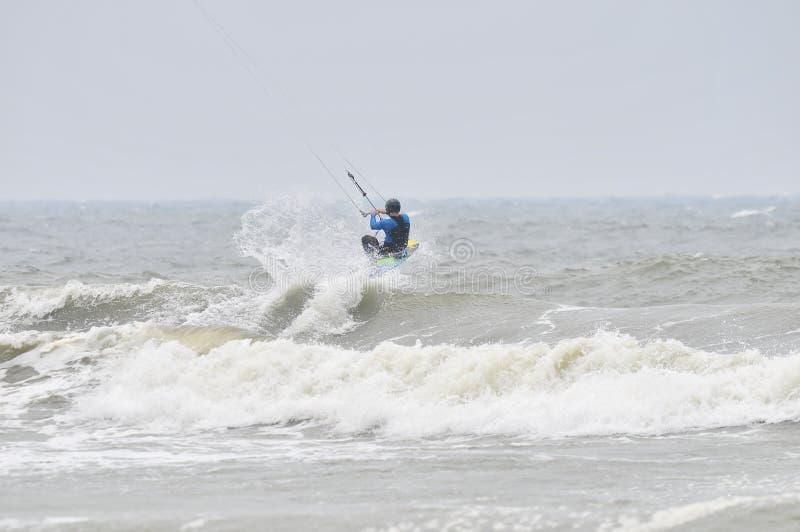 Drake-surfa i sprej. arkivbild