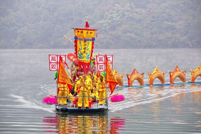 Drakefestival på floden arkivfoto