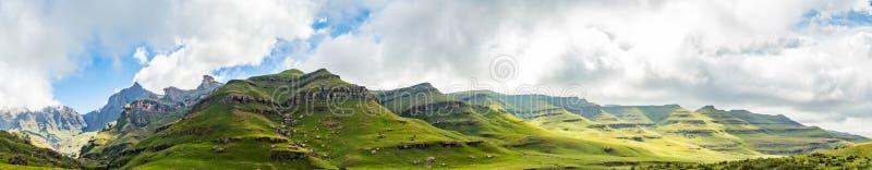 Drakensberge的岩层在Mkhomazi自然保护区的 库存照片
