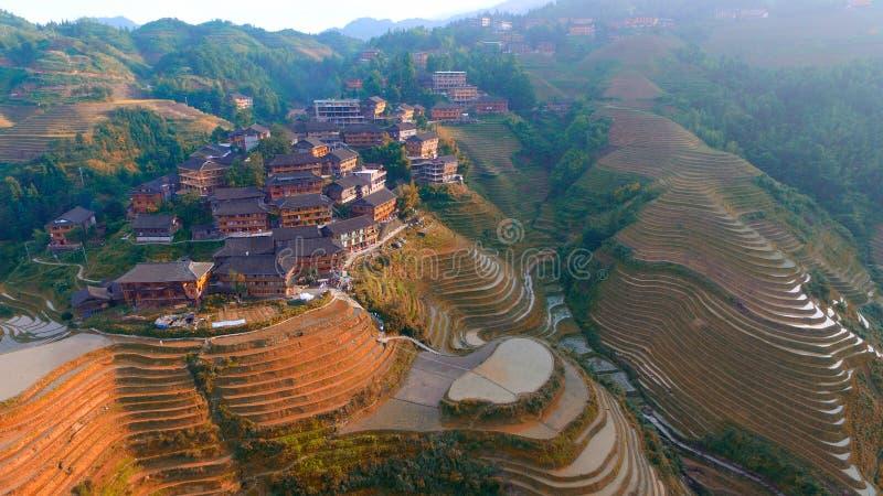 Drakes tillbaka Guilin Guangxi Kina arkivbild