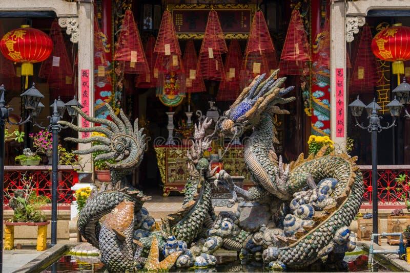 Drakespringbrunn av Cantoneseaulan royaltyfria foton