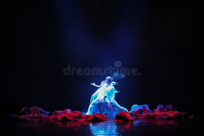 Drama da dança dos arqueiros- fotografia de stock