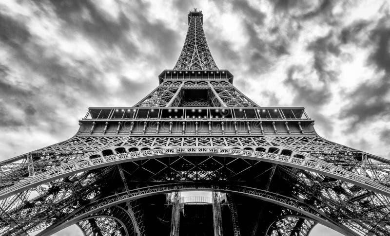Drama på Eiffeltorn royaltyfri fotografi