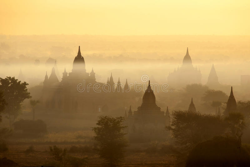 Download Bagan Temples In Mist At Sunrise Stock Image - Image: 29867245