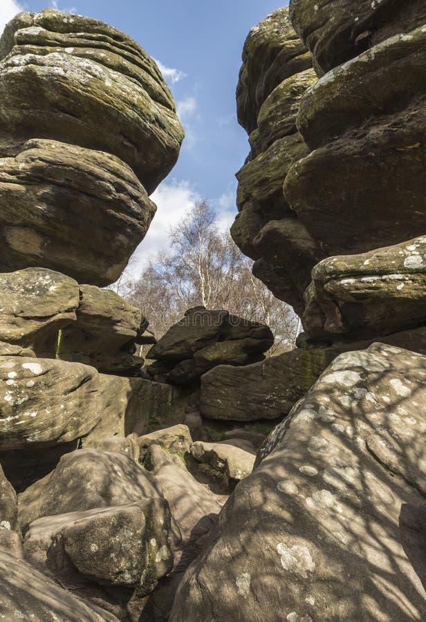 Dramatische rotsstructuur bij Brimham-Rotsen in Yorkshire, Engeland stock foto's