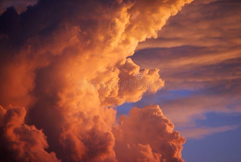 Dramatische Wolken royalty-vrije stock afbeelding