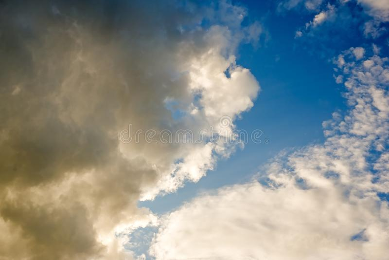 Dramatische wolkentextuur, abstracte achtergrond stock foto