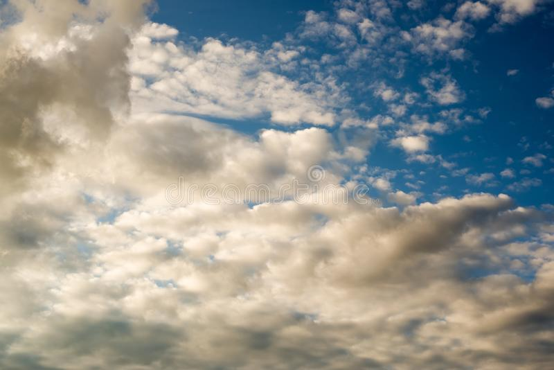 Dramatische wolkentextuur, abstracte achtergrond stock fotografie