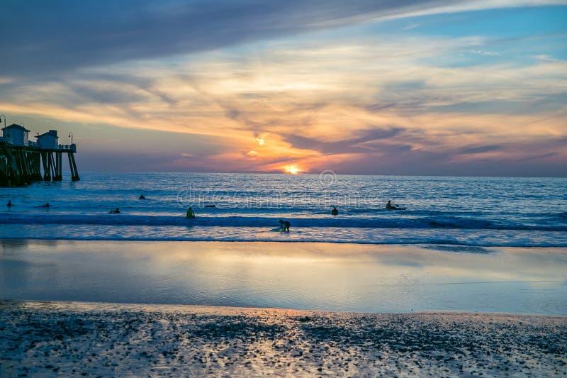 Dramatische zonsondergang bij het strand van San Clemente, Californië stock afbeelding