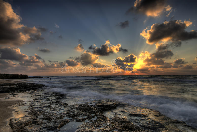 Dramatische zonsondergang HDR stock foto's