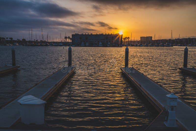 Dramatische Zonsondergang in Marina del Rey royalty-vrije stock afbeeldingen