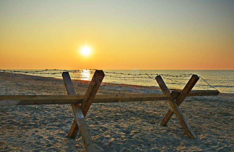 Dramatische zonsopgang op het Corbu-strand, Roemenië royalty-vrije stock afbeelding