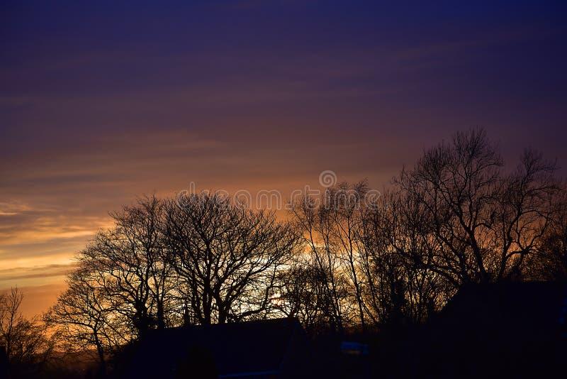 Dramatisk solnedgång över östliga Lancashire i England arkivbild