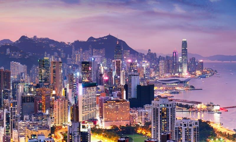 Dramatisk soluppgång i Hongkong, Kina - panoramaskin arkivfoton
