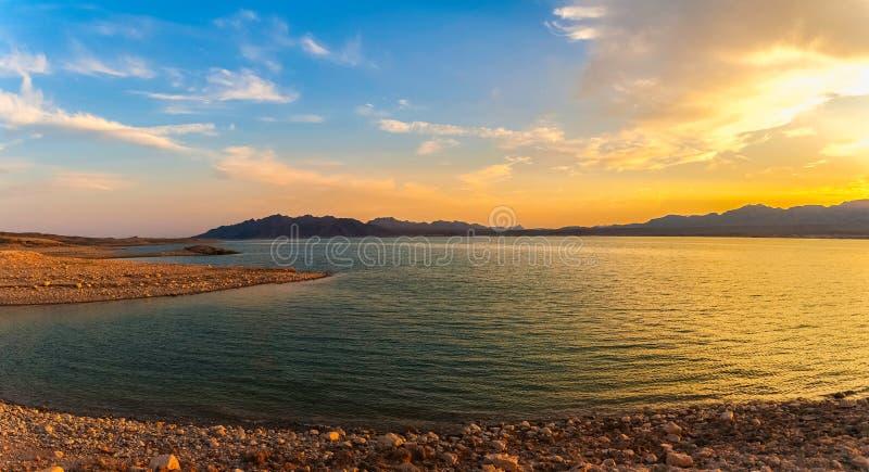 Dramatiskt landskap av sjömjödet, Nevada arkivbild