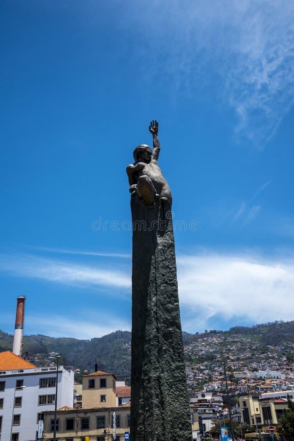 Dramatyczna statua w Funchal na wyspie Madiera obrazy royalty free