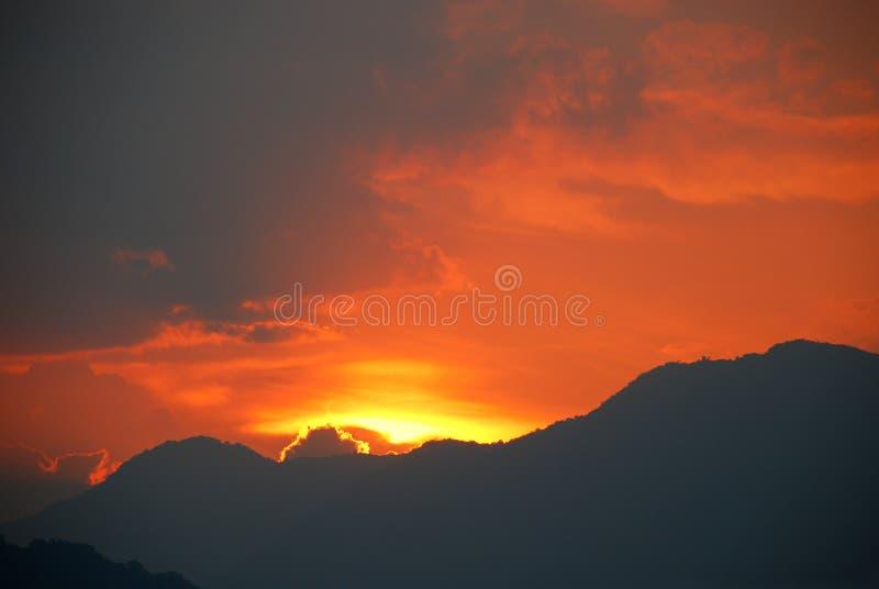 dramatyczne słońca obrazy stock
