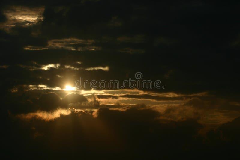 Dramatyczne Słońca Zdjęcia Stock
