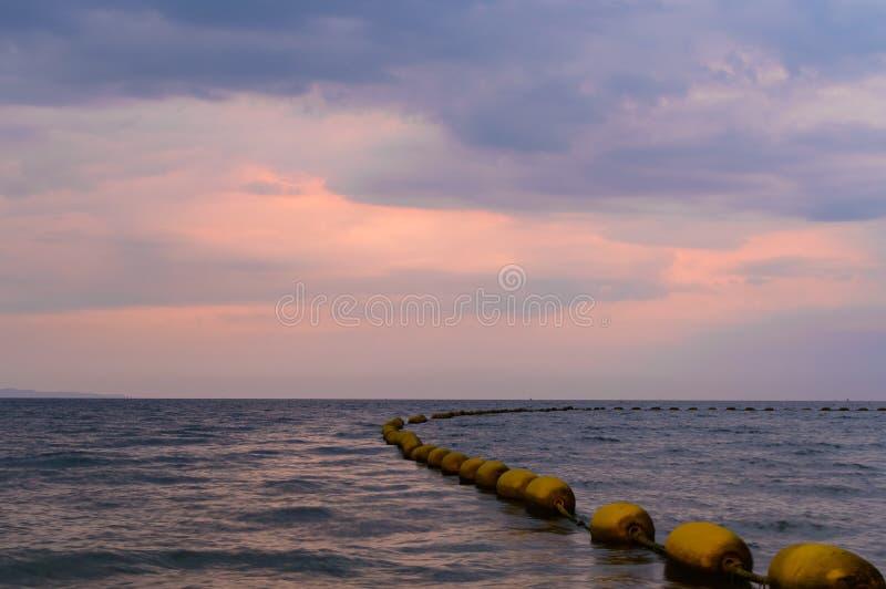 Dramatyczny kolorowy zmierzch i wschodu słońca niebo obraz royalty free