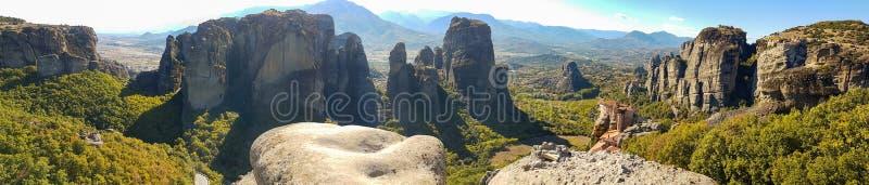 Dramatyczny panoramiczny widok Meteor skały monastery w Greec fotografia stock