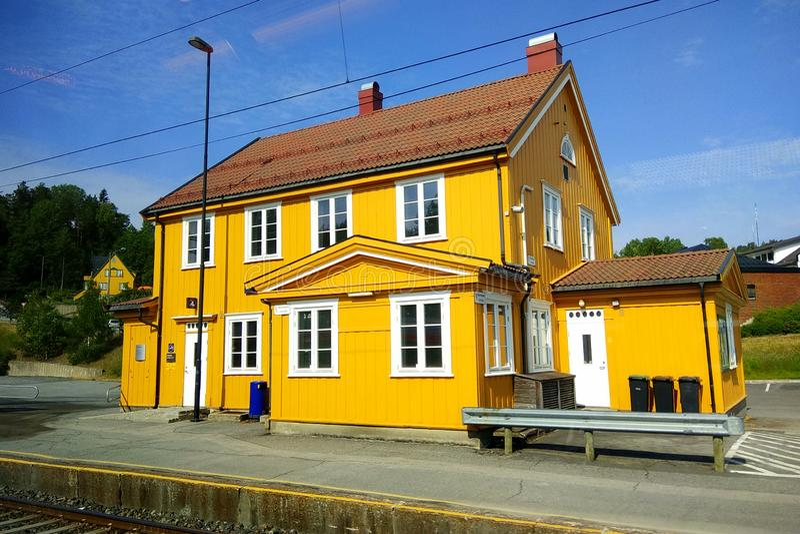 Drangedal stacja kolejowa w Drangedal, Norwegia obraz royalty free