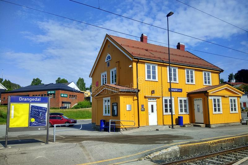 Drangedal stacja kolejowa w Drangedal, Norwegia obraz stock