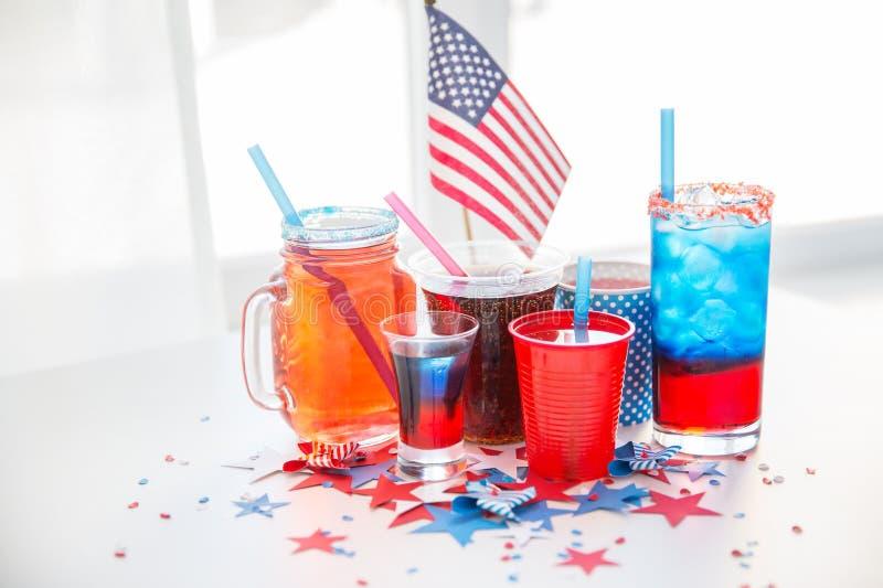 Dranken op de Amerikaanse partij van de onafhankelijkheidsdag royalty-vrije stock fotografie