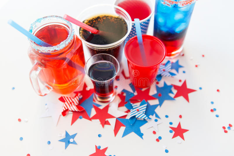 Dranken op de Amerikaanse partij van de onafhankelijkheidsdag royalty-vrije stock foto