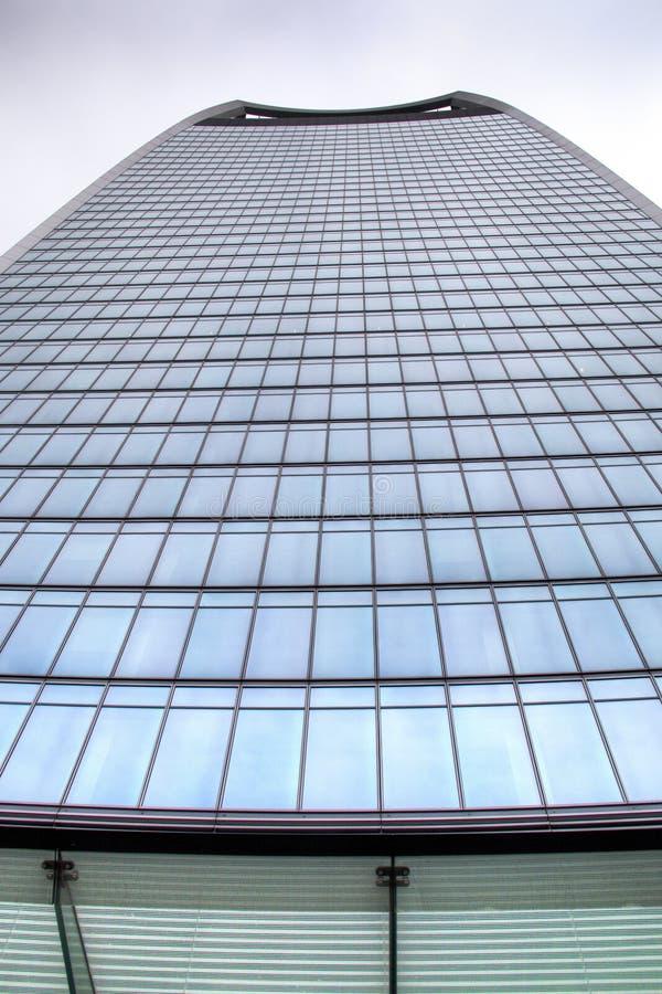 Download Drapacz Chmur W Londyn W UK Zdjęcie Stock - Obraz złożonej z okręg, błękitny: 53778378