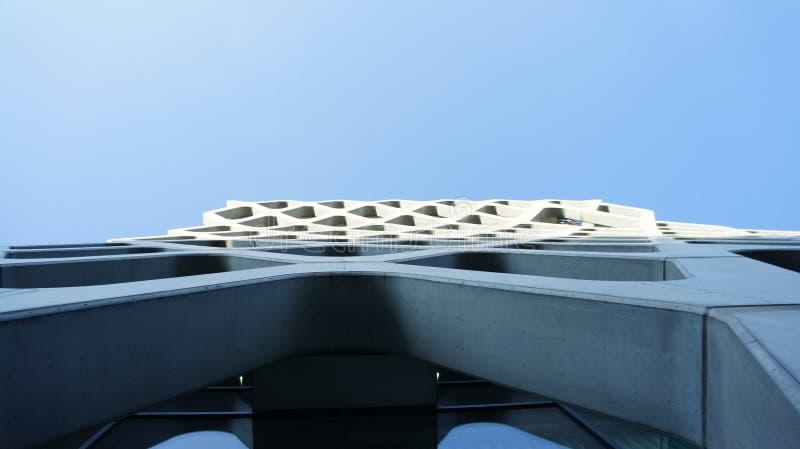 Download Drapacze Chmur W Centrum Miasta Warszawa Zdjęcie Stock - Obraz złożonej z zmrok, neon: 106907924