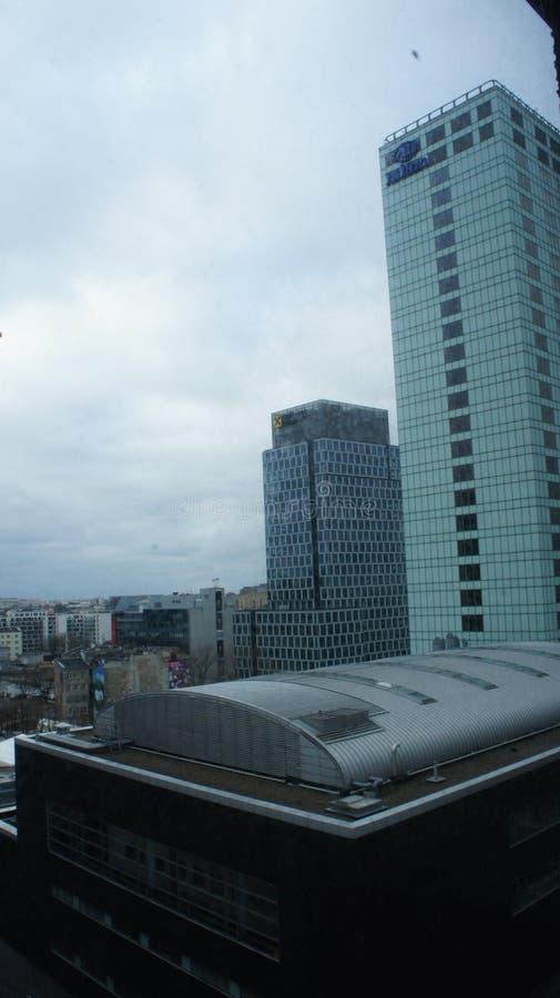 Download Drapacze Chmur W Centrum Miasta Warszawa Fotografia Editorial - Obraz złożonej z architektury, europejczycy: 106908602