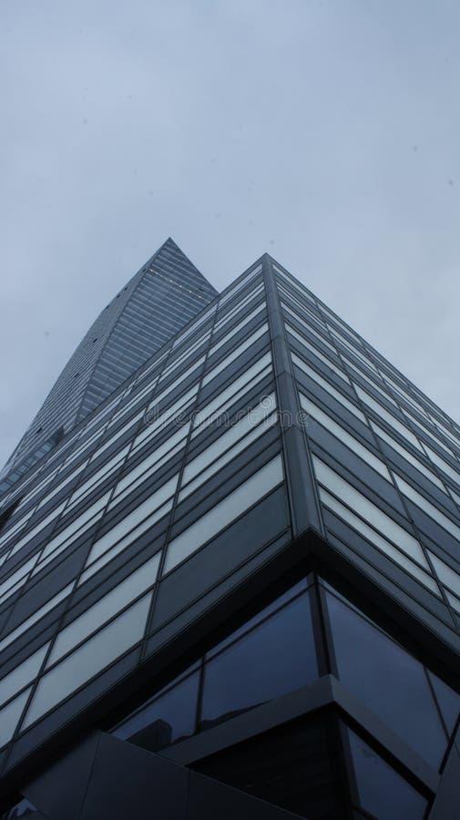 Download Drapacze Chmur W Centrum Miasta Warszawa Zdjęcie Editorial - Obraz złożonej z sklep, polska: 106909051