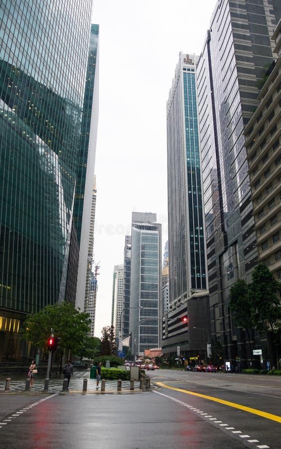 Drapacze chmur w Singapur na chmurnym dniu zdjęcia stock