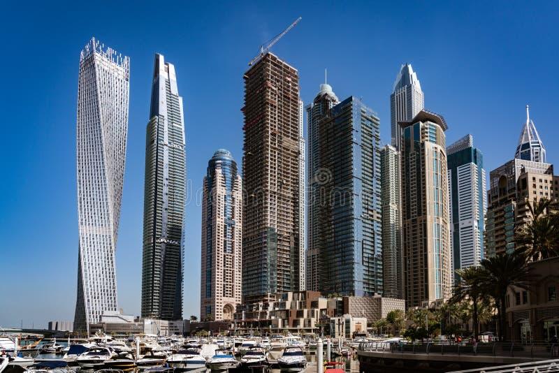 Drapacze chmur wykładają marina w Dubaj zdjęcie stock