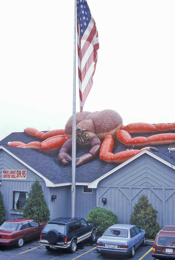 Drapeau américain devant le restaurant de homard, homard, JE photo libre de droits