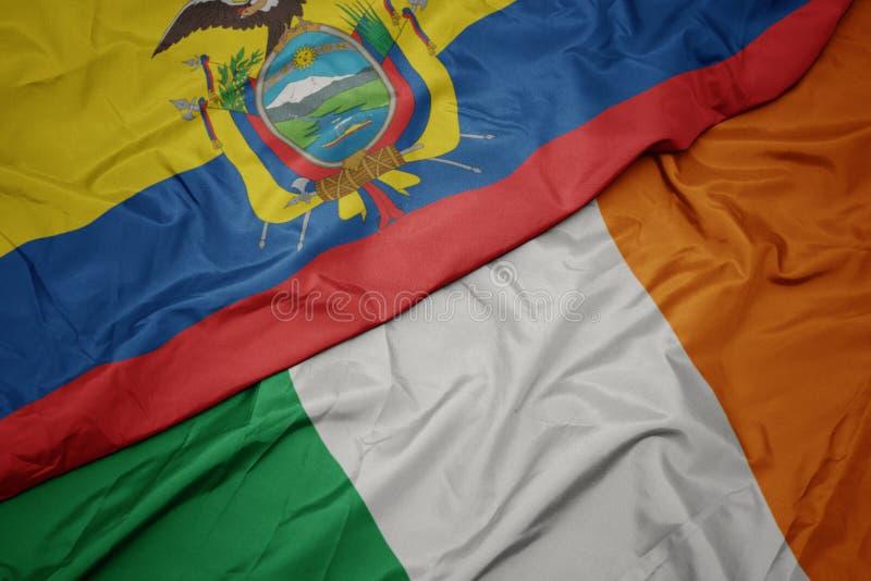 drapeau coloré de l' irlande et drapeau national de l' équateur images stock