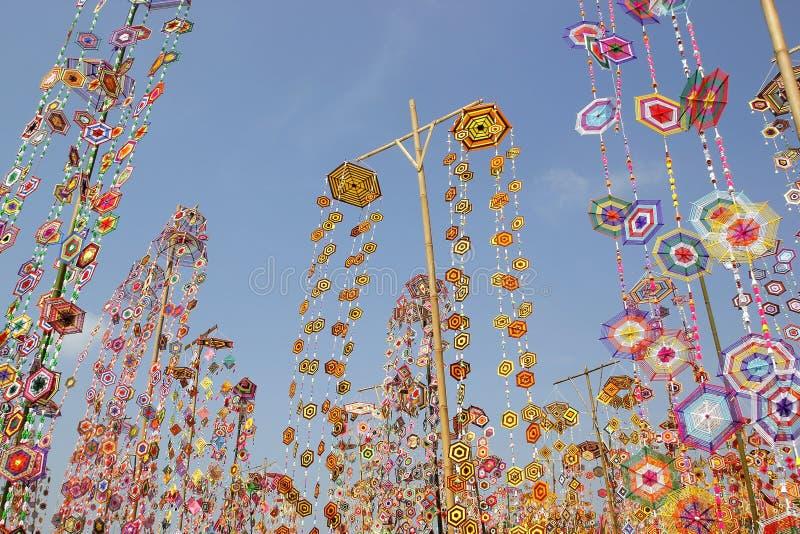 Drapeau coloré de tung comme fond, drapeau de tung d'Isan Kalasin Thaïlande image stock