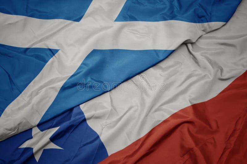 drapeau coloré du chili et drapeau national de l' écosse photo libre de droits