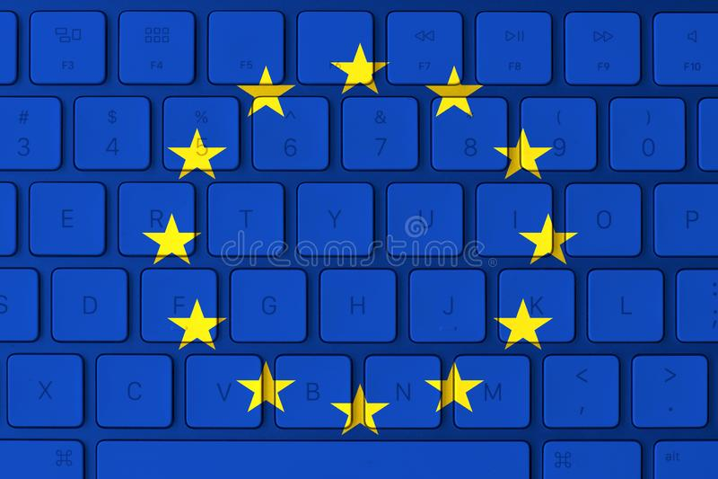 Drapeau d'Union européenne et clavier d'ordinateur à l'arrière-plan photographie stock