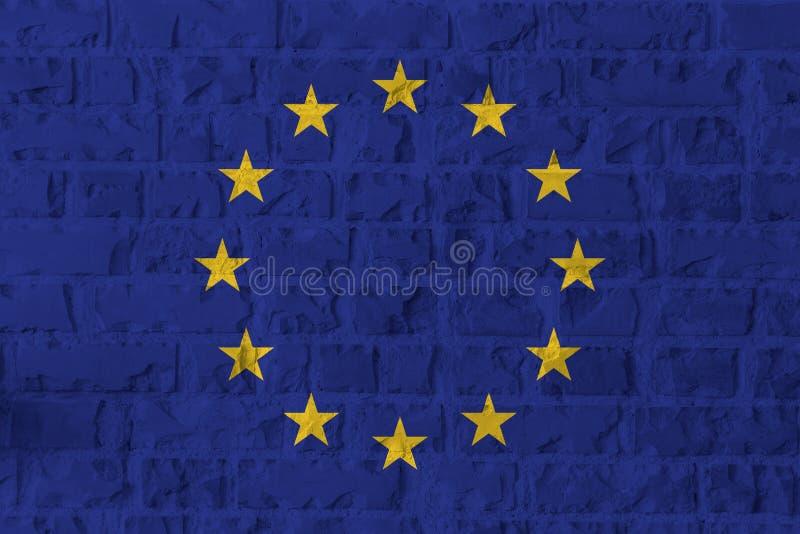 Drapeau d'Union européenne sur le fond de texture de mur de briques photos libres de droits