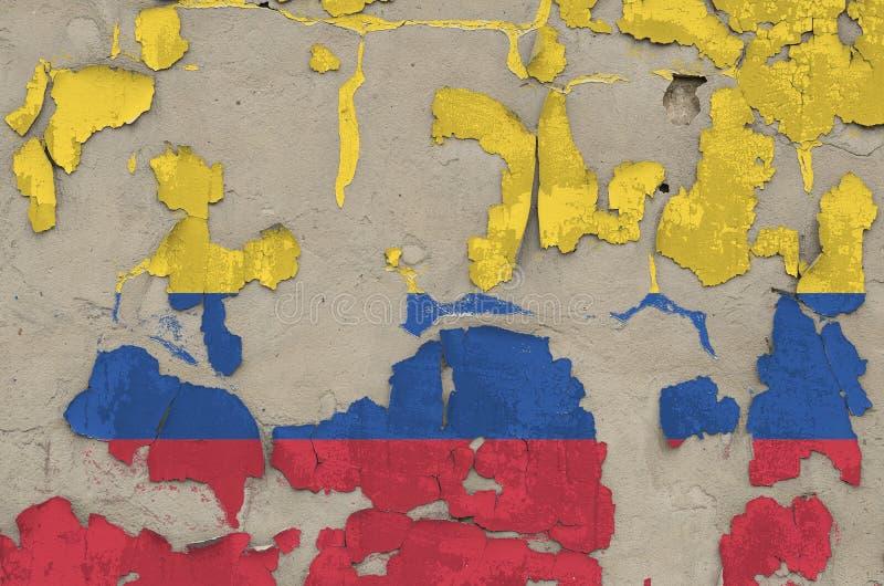 Drapeau de Colombie peint en couleurs sur un vieux mur en béton désuet Bannière textuelle sur fond brut images stock