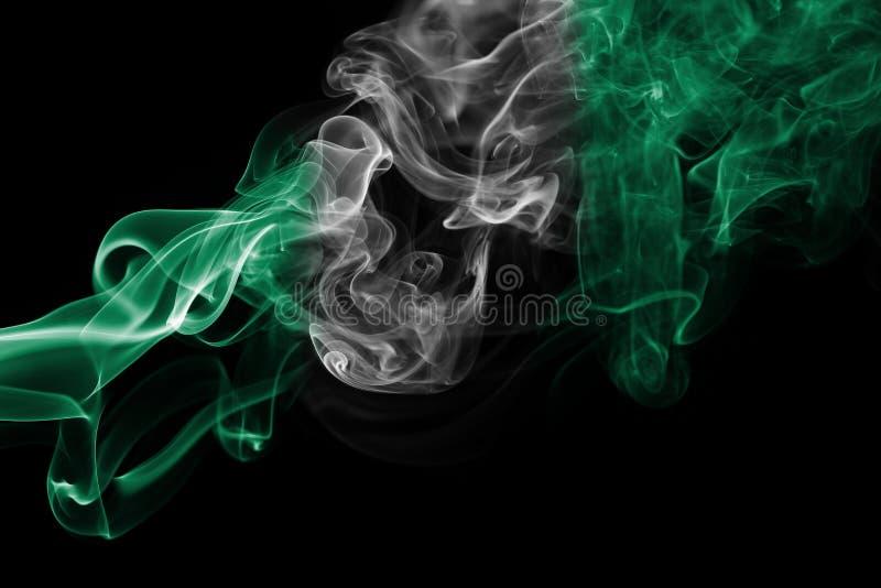 Drapeau de fumée du Nigéria photo stock